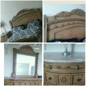 Queen bedroom set for Sale in Warner Robins, GA
