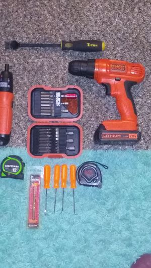 Black and decker drill and tool set for Sale in Youngstown, OH