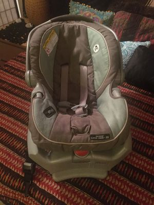 Graco baby car seat for Sale in Brooklyn, NY