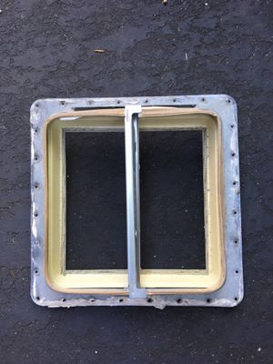 Camper Rv trailer skylight crank vent top for Sale in Fort Lauderdale, FL