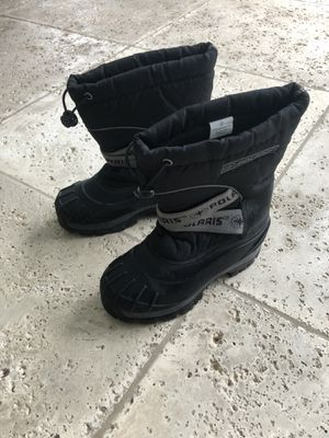 Kids snow boots size 2 for Sale in Miami, FL