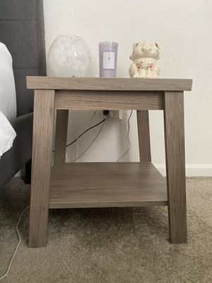 Rustic Oak End Table/ Night Stand for Sale in Orlando, FL