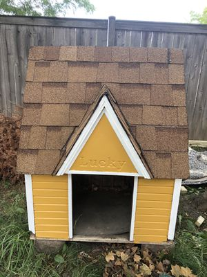 Dog house for Sale in Wheeling, IL