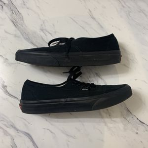 Men's Vans Size 9 Low Top Shoes for Sale in Caldwell, ID