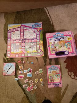 SHOPKINS Happy Places Moving Day kids game, kids board game for Sale in Centreville,  VA