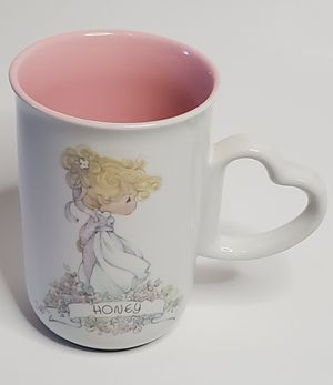 """Enesco Precious Moments Collection Ceramic Cup """"Honey"""" with Heart Handler 1990 for Sale in Los Angeles, CA"""