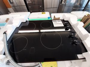 Cooktop refrigerator washer and DRYER hood MICROWAVE for Sale in Kissimmee, FL