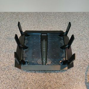 Netgear Nighthawk X6 AC3200 Wireless Router for Sale in Snohomish, WA