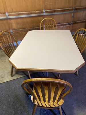 Big heavy duty corner kitchen table and 4 chairs must go ASAP. for Sale in Tacoma, WA