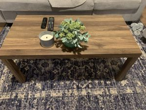 Wood coffee table for Sale in Puyallup, WA