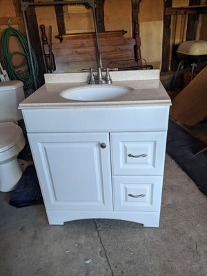 Bathroom vanity cabinet for Sale in Altoona, PA