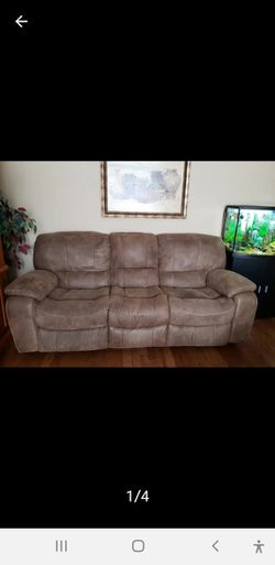 Recliner Couch for Sale in Burleson,  TX