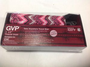 """SALE OR TRADE GVP 1 1/2"""". TRAVEL IRON TAKE ANYWHERE TRAVEL SIZE HEATS UP TO 420 F for Sale in Miami, FL"""