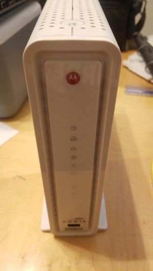 Arris SURFboard Cable Modem, WiFi Router for Sale in Murrieta, CA