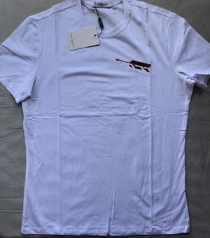 White Givenchy t shirt for Sale in Miami, FL