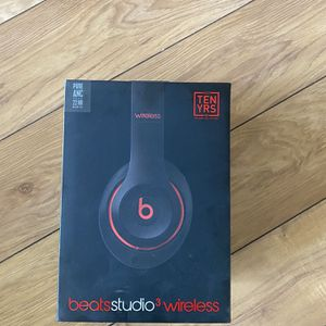Beats Studio 3 Decade Collection for Sale in Fairfax, VA