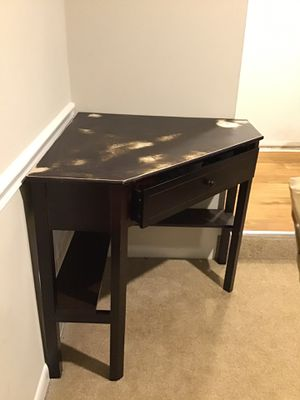 Corner table for Sale in Germantown, MD