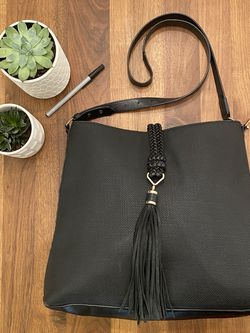 Stella & Dot Black Hayes Tote Bag Faux Leather Tassle for Sale in Minneapolis,  MN