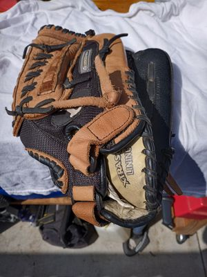 Softball glove. Louisville slugger 14 inch. for Sale in San Diego, CA