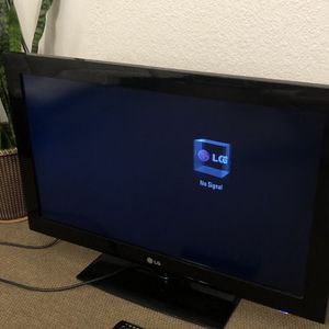 32 Inch LG TV for Sale in San Diego, CA