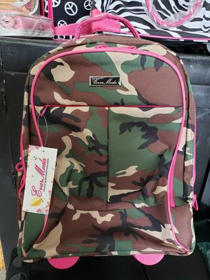 Ever Moda Camouflage with Pink Rolling Travel Carry-On Bag new unused with tags for Sale in Pasadena, TX