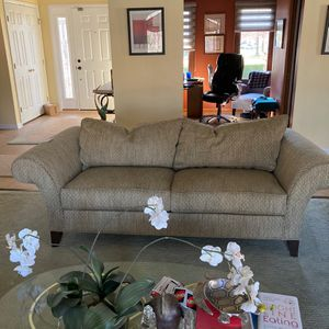 Ethan Allen Large Sofa for Sale in Independence, OH