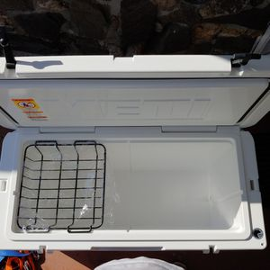 Yeti 110 - White for Sale in Los Angeles, CA