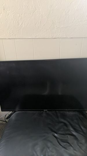Hisense tv with remote for Sale in Draper, UT