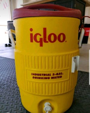 5 gallon cooler for Sale in Oceanside, CA