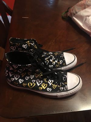 Converse gym shoes basically brand new size 8 and for Sale in Posen, IL