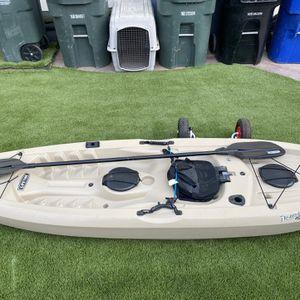Lifetime Tamarack 10' Angler Kayak Bundle for Sale in Chula Vista, CA