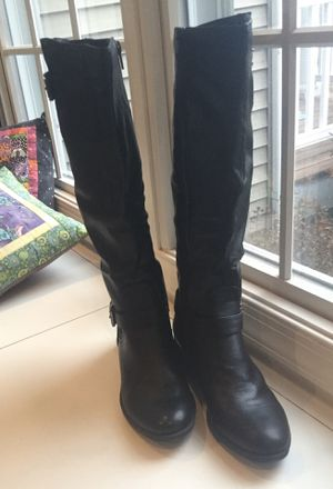 Women's Size 7 Style & Color for Sale in Martinsburg, WV