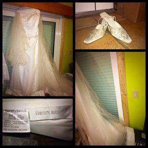 David's Bridal Size 22 wedding Dress for Sale in Miami, FL