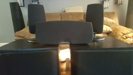 Beautiful Set of Klipsch Quintet Series Speaker's for Sale in Portland,  OR