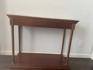MOVING SALE!!! Make an offer & it's YOURS! 30 x 36 Table for Sale in San Leandro, CA
