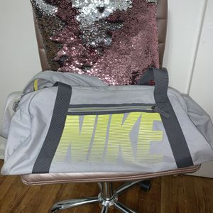 Nike Duffle Bag for Sale in The Bronx, NY