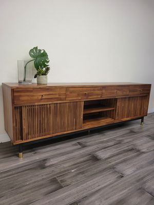 Solidwood tv stand for Sale in Artesia, CA