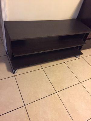 Mesa de tv $40 for Sale in South Miami, FL