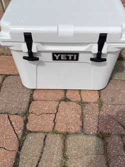YETI Cooler 20 Gallon Rare for Sale in Fort Myers,  FL