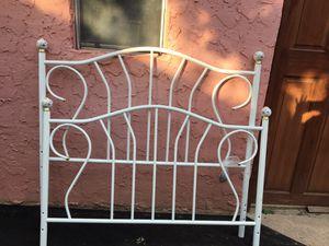 Full size bed frame for Sale in Laredo, TX
