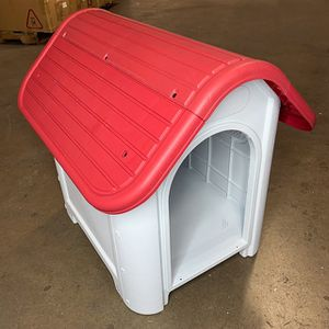 """(NEW) $45 Plastic Dog House Small/Medium Pet Indoor Outdoor All Weather Shelter Cage Kennel 30x23x26"""" for Sale in City of Industry, CA"""