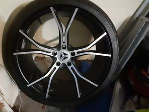 2015 polaris slingshot wheels 18 on front 20 on back like new tires for Sale in Tampa, FL