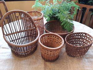 Set of 5 smaller vintage baskets. for Sale in Seattle, WA