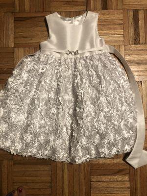Elegant 3t white dress flower girl for Sale in Riverside, CA