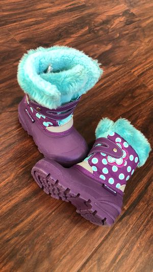 Girls Sketchers Perfect condition - like new snow boots kids size 7 for Sale in Commerce City, CO