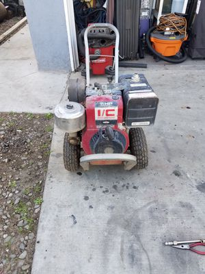 11 hp Briggs and Stratton motor for Sale in Riverside, CA