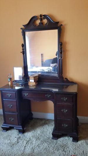 Antique bedroom set for Sale in Nottingham, MD