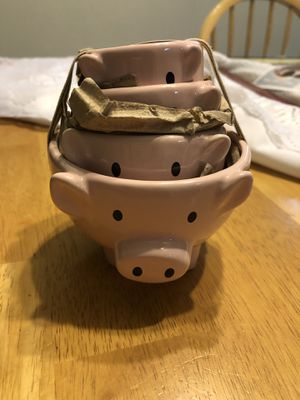 Two's company measuring cups for Sale in Herndon, VA