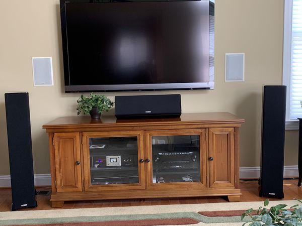 Polk Audio tsi400 towers and CS20 center channel speaker