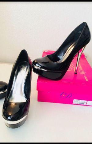 New Black Patent Pumps w/ Metallic Silver Platform Edge & Heels for Sale in Tempe, AZ